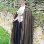 Longue cape de drap marron